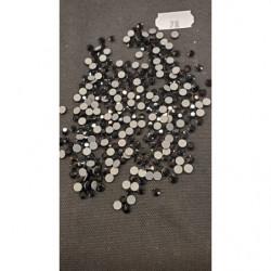 DENTELLE/ BRODERIE sur tulle noir, 8 cm/ 5 cm, idéal pour customiser un vêtement, une robe,chemisier, sac, pochette