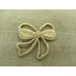 collier perle acrylique- 70cm- photo de présentation