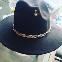 customisation de chapeau avec notre ruban