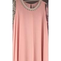 customisation d'une robe rose pour vos cérémonies avec nos cols en strass et perles