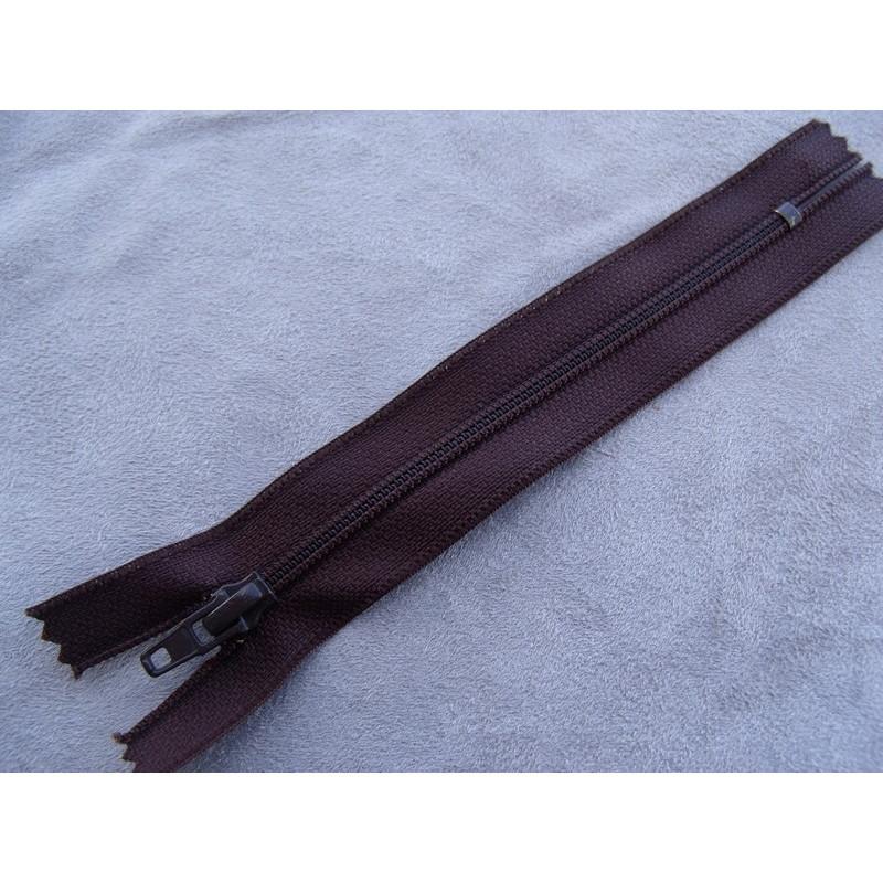 Broderie anglaise blanche,5,5 cm, sublime  pour toutes décorations sur vetements , lingerie, robe, chemisier ....