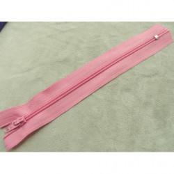 bouton acrylique a 2 trou- rose pale