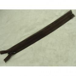 bouton acrylique bordeaux