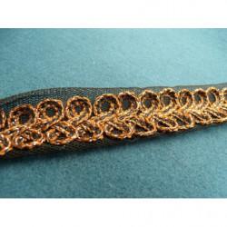 petite  fleur brodé en 3D- rouge et vert