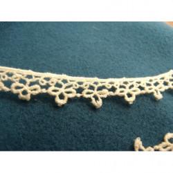 ruban brodé or,3 cm, idéal pour customiser vos vêtements et tout objets de décorations