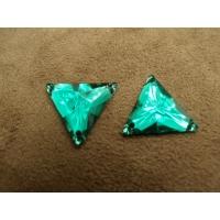 strass triangle vert acrylique,18 mm vendu, par 10 pièces