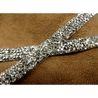 RUBAN STRASS 1cm, ARGENTE, Spécialement conçu pour des finitions parfaites pour vos travaux de couture,