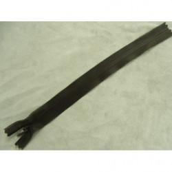 bouton acrylique a 2 trou- 26mm- aubergine