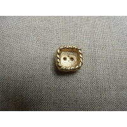 bouton carré a 2 trous- doré
