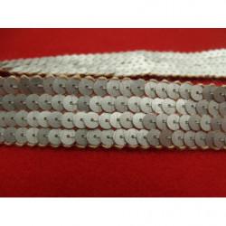 tissu coton imprimé crocodile - vert fond blanc